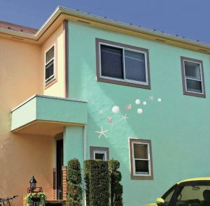 貝殻のデザインが描かれたお家