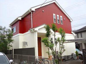 赤と白のお家