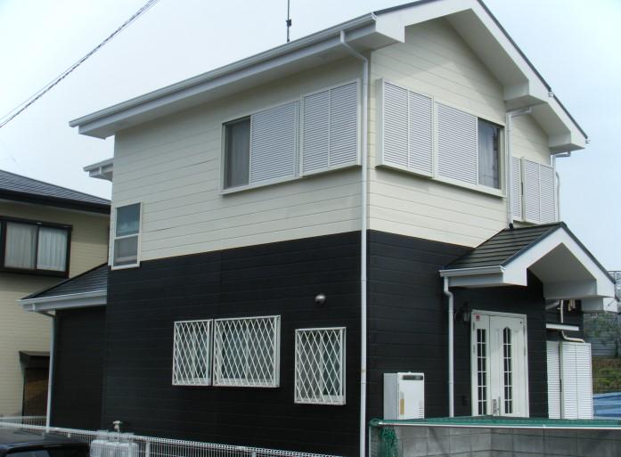白と黒のお家
