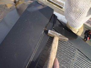 屋根の釘打ち