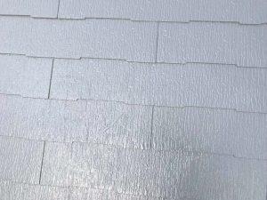 ライトグレーの屋根