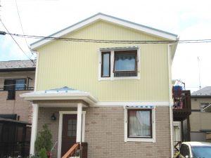 明るい屋根の家