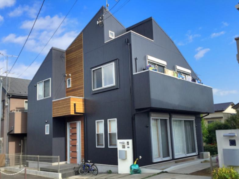 黒い 外壁 家