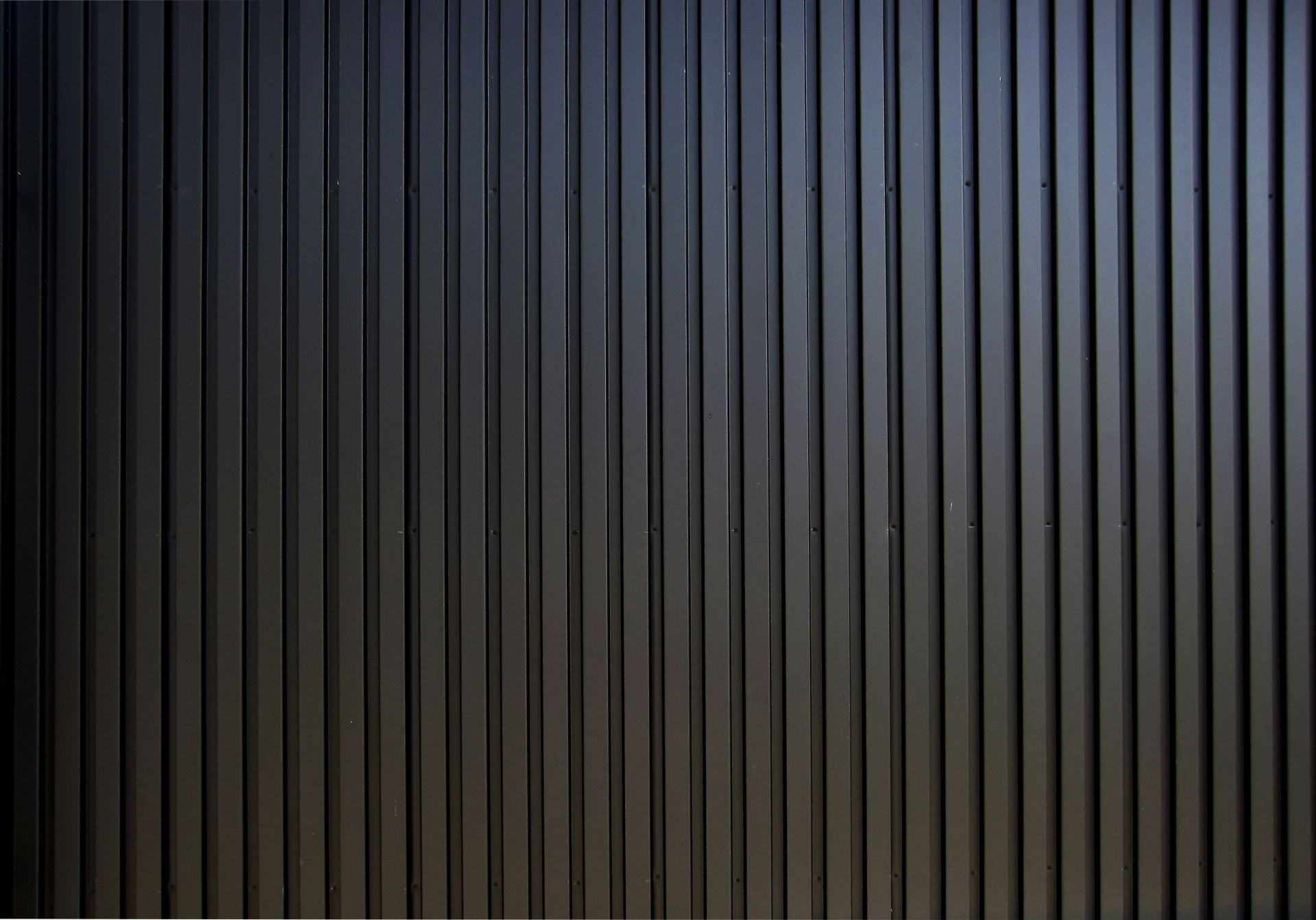ガルバリウム鋼板で高級感漂う外壁!おすすめ種類5選と選び方ガイド