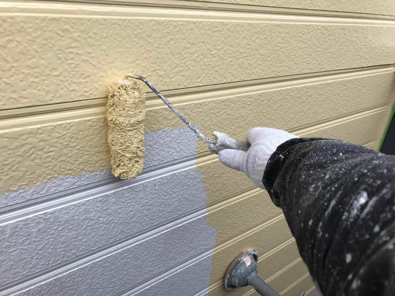 サイディング塗り替え工事を徹底解説!気になる費用から業者選びまで