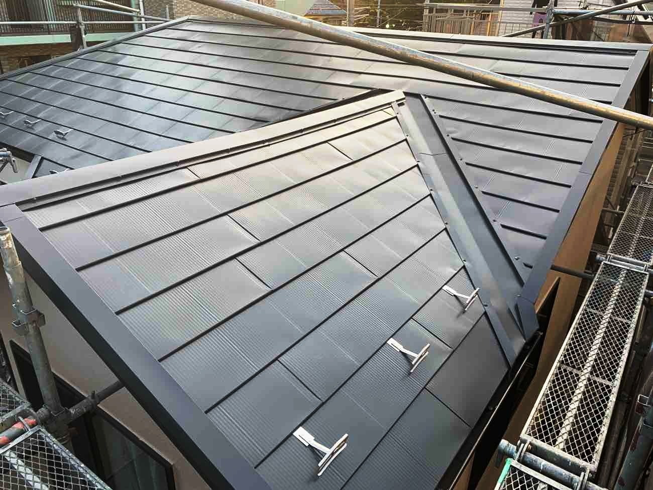 [一覧表付]ガルバリウム鋼板屋根の種類7選と我が家に合った選び方!