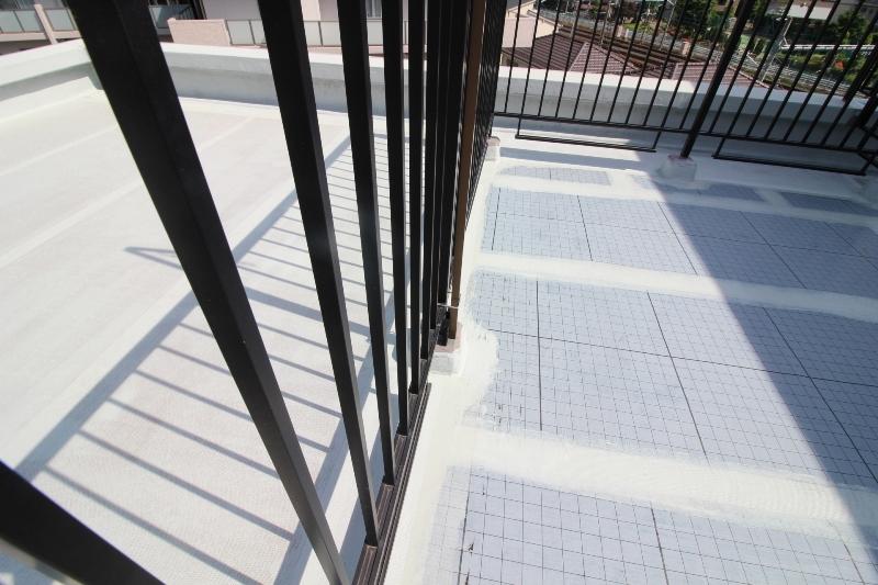 フローチャートで最適な種類がわかる!屋上防水工事3つの種類と特徴