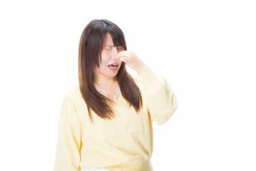 臭いを気にする女性