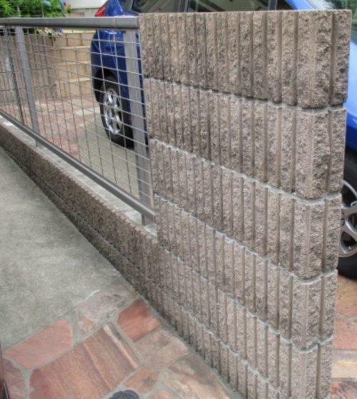 ブロック塀の汚れ:ホコリ