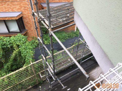 3階建ての足場
