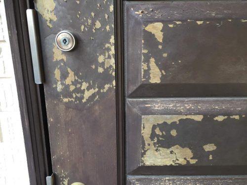玄関ドアの剥がれ