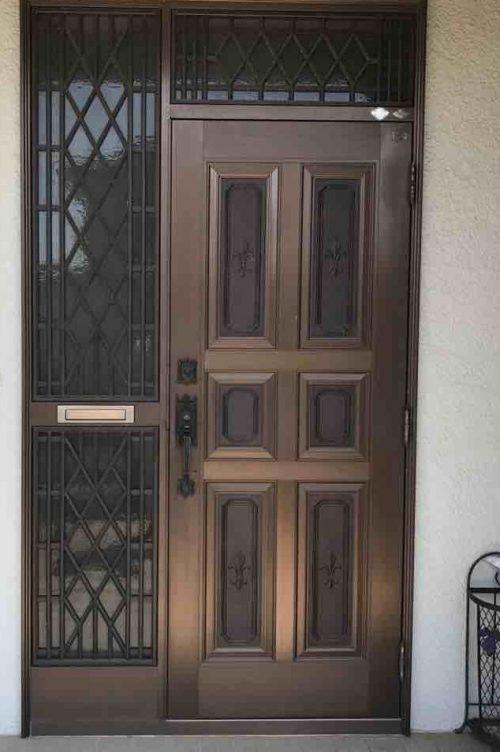 金属製ドア