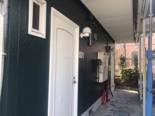 緑×白ドア