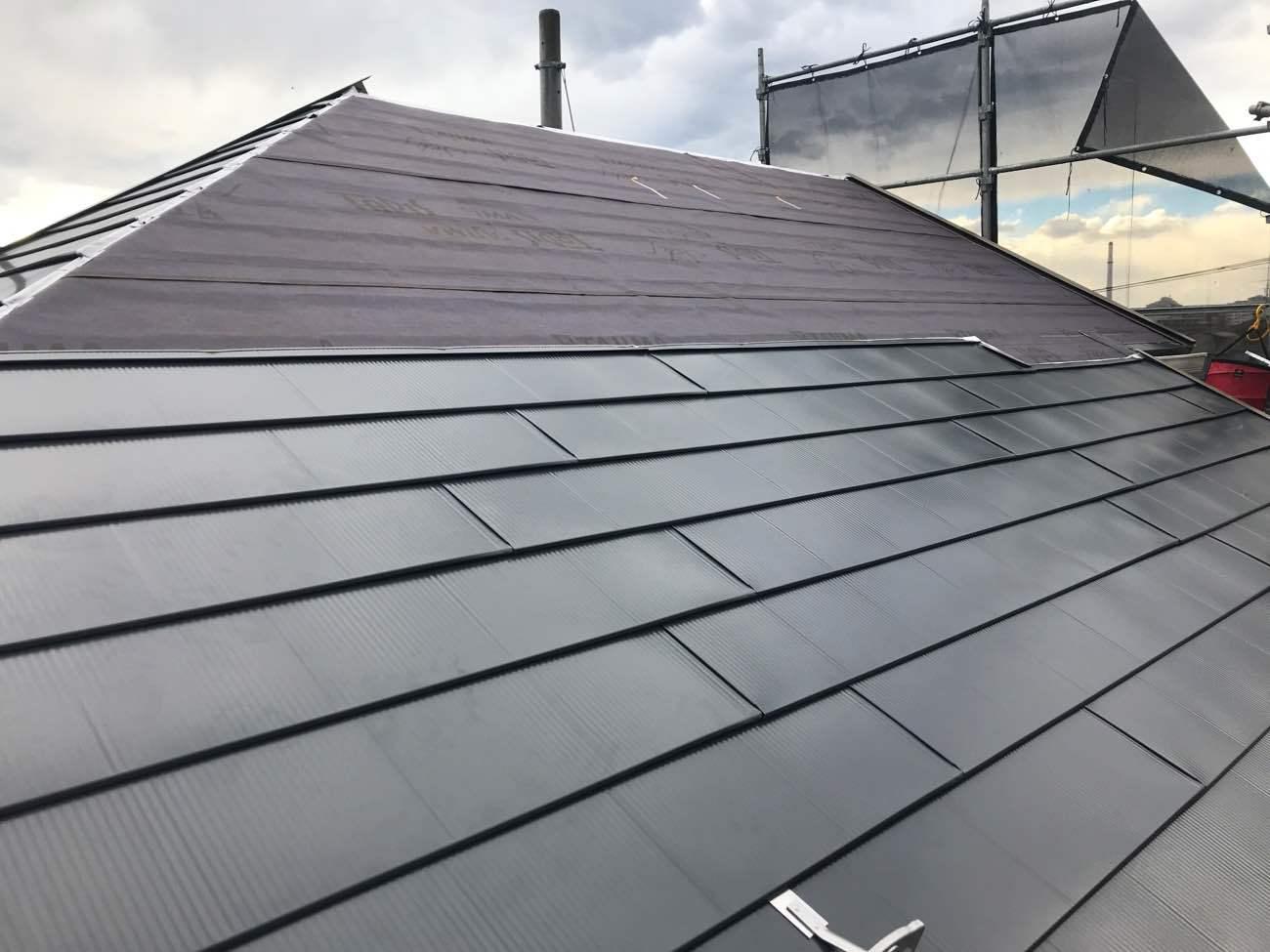 屋根カバー工法の費用相場を解説!見積例とお得な良い工事6つのコツ