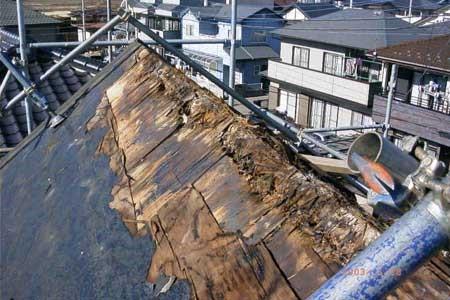屋根 結露 腐食
