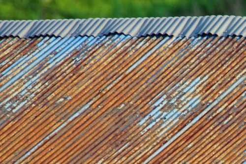 トタン屋根 錆び