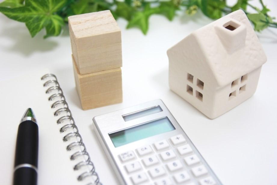 【2020最新】屋根+外壁塗装の費用相場と価格を左右する要素7つ