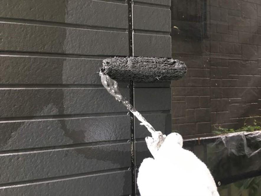 黒い外壁の汚れやすさをカバーする!3つの工夫と簡単お手入れ方法